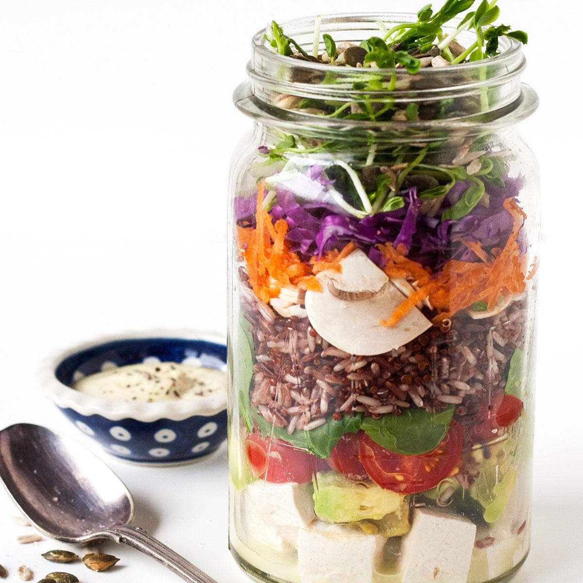 5 reasons to BEWARE of ready-made salads!